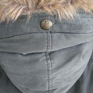 XL Billabong Artic Parka with Faux Fur Lined Hood